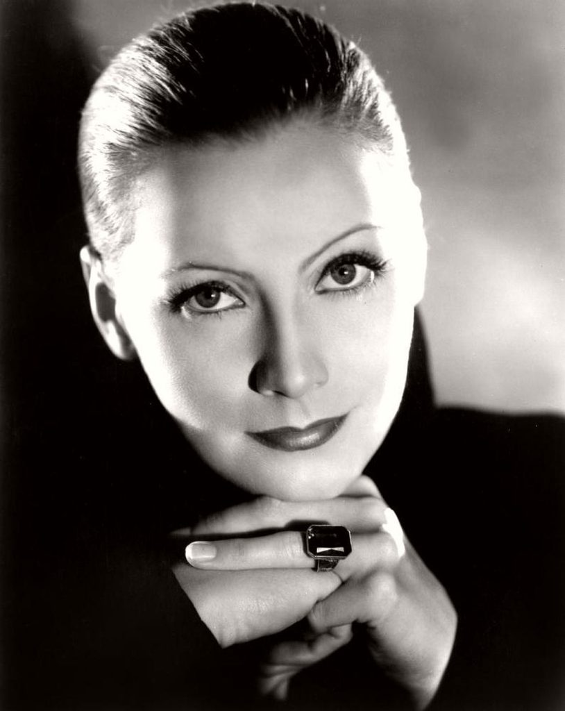 great-garbo-b-and-w